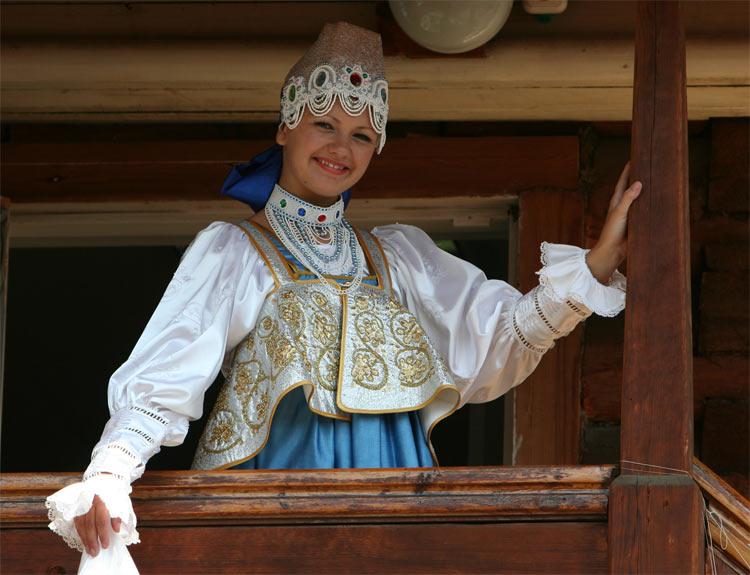 Описание: национальная одежда, русский национальный костюм, украинский народный.